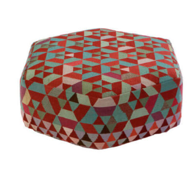 gorlan-triangles-pouf-hexhex-almondgreen-low-1-700x500