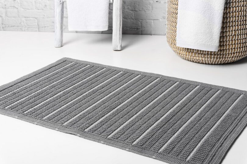 CRIPE-SOREMA-.THREAD-BATH-MAT-MAGNETIC-GREY-MOOD
