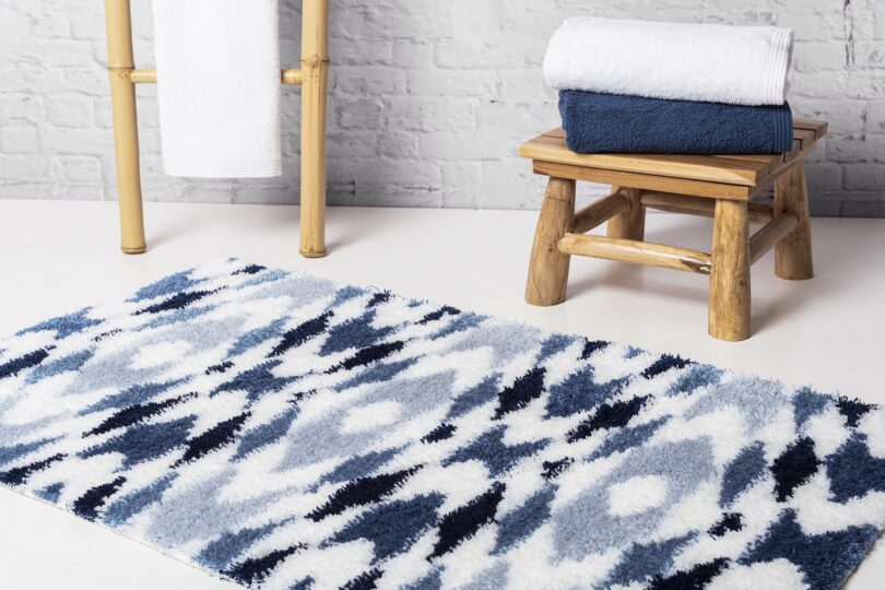 CRIPE-SOREMA-TRIBAL-BATH-RUG-MOOD-BLUE